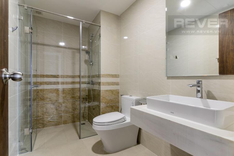 Phòng Tắm 2 Cho thuê căn hộ Saigon Royal 2PN, tầng cao, tháp A, đầy đủ nội thất, view sông Sài Gòn và tháp Bitexco