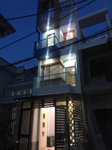 Mặt tiền nhà Tân Phú Nhà phố hướng Tây Bắc diện tích sử dụng 185m2, nội thất cơ bản.