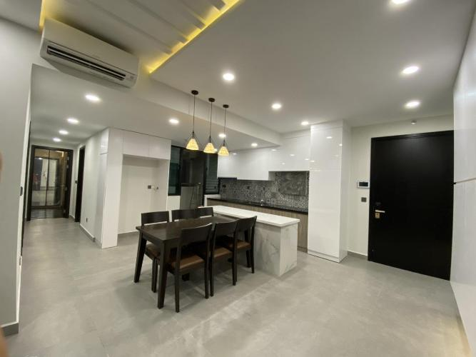 Căn hộ Feliz En Vista tầng trung, đầy đủ nội thất sang trọng.