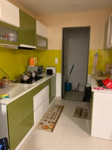 Phòng bếp căn hộ The Tresor Căn hộ The Tresor 3 phòng ngủ tầng cao diện tích 110.5m2, nội thất cơ bản.
