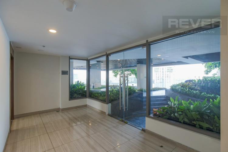 Hành Lang Cho thuê căn hộ Masteri Millennium 3PN, diện tích 107m2, đầy đủ nội thất, view Bitexco