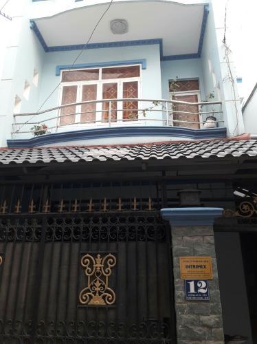 Nhà phố đường Phạm Văn Đồng có sổ hồng, nội thất cơ bản.