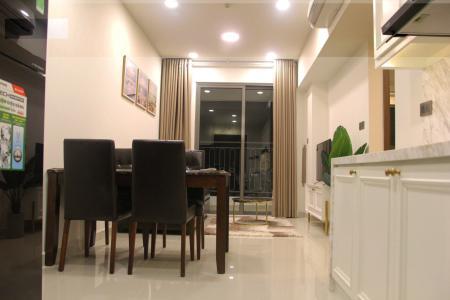 Cho thuê căn hộ Saigon Royal 1 + 1PN, tầng cao, đầy đủ nội thất, view hồ bơi nội khu