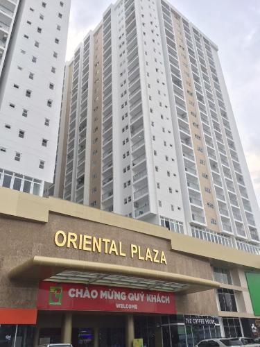 Oriental Plaza Căn hộ Oriental Plaza nội thất cơ bản, view thành phố thoáng mát.