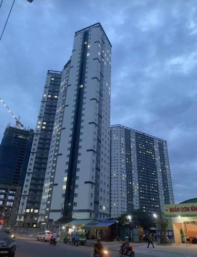 Bên ngoài toà nhà Topaz Elite Căn hộ tầng cao Topaz Elite view thành phố.