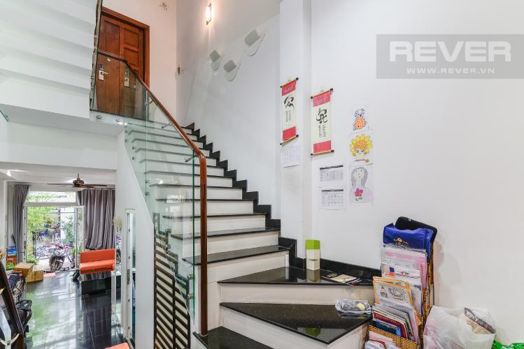 Lối Lên Phòng Ngủ Nhà phố 1 trệt, 3 lầu, 4 phòng ngủ có sân thượng hẻm đường Nguyễn Thiện Thuật