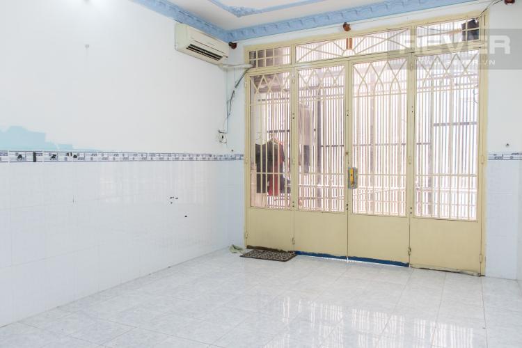 Phòng Ngủ 1 Bán nhà hẻm đường Hoàng Diệu, Quận 4, 3PN, diện tích đất 40m2, cách phố ẩm thực Vĩnh Khánh 100m.