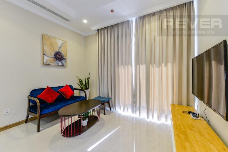 Phòng khách Căn hộ Vinhomes Central Park tầng cao 2PN thiết kế đẹp, nội thất đầy đủ