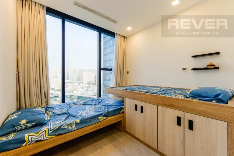 Phòng ngủ 2 Căn hộ Vinhomes Golden River tầng cao, view sông, 2PN, nội thất đầy đủ