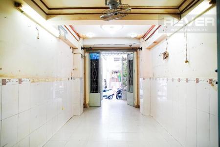 Bán nhà phố 3 tầng Quận 10, diện tích đất 37m2, sổ hồng chính chủ, cách đường Nguyễn Tri Phương 100m