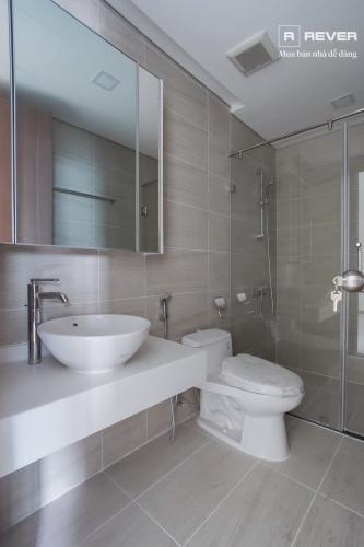 Toilet căn hộ VINHOMES CENTRAL PARK Cho thuê căn hộ Vinhomes Central Park 1PN, đầy đủ nội thất, ban công Đông Nam