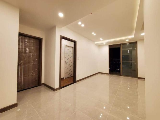 Bán căn hộ view thành phố Saigon South Residence tầng trung, 2 phòng ngủ, diện tích 75m2, nội thất cơ bản.