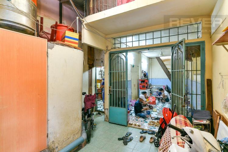Bán gấp nhà cấp 4 hẻm 368 Tôn Đản, Quận 4, diện tích đất 57m2, sổ hồng riêng, cách đường chính 100m