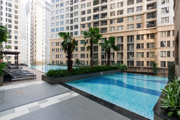 Tiện ích Saigon Royal, Quận 4 Căn hộ Saigon Royal tầng trung hướng Tây Nam, view nội khu hồ bơi.