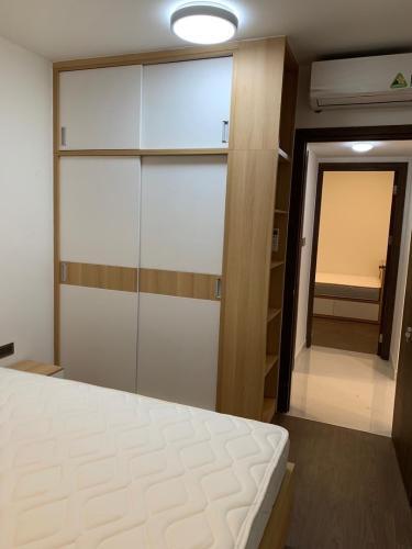 Phòng ngủ căn hộ Saigon Royal Căn hộ Saigon Royal nội thất cơ bản cao cấp, view nội khu yên tĩnh.