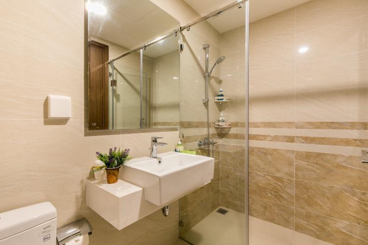 Phòng tắm , căn hộ SaiGon Royal , quận 4 Căn hộ Saigon Royal cửa hướng Tây Bắc, bàn giao đầy đủ nội thất hiện đại