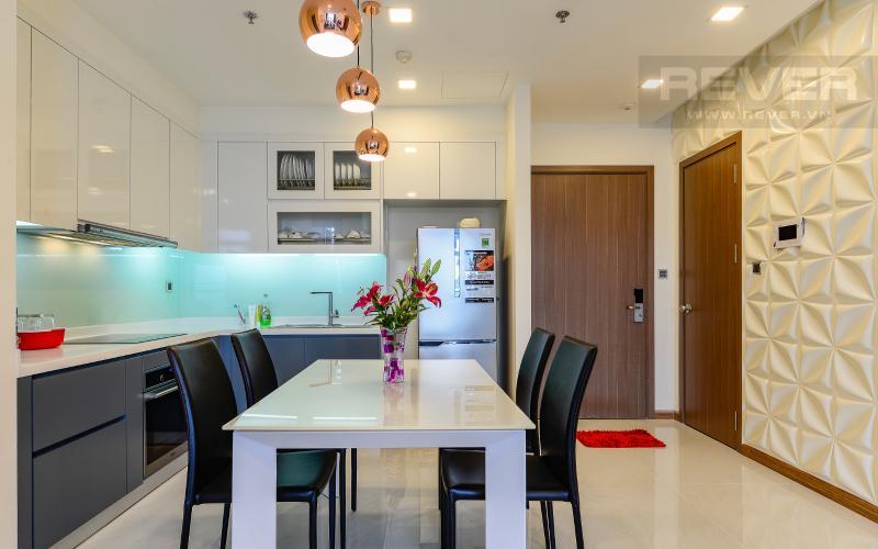 bàn ăn Căn hộ 2 phòng Vinhomes Central Park tại Park 6 tầng cao, tiện nghi và yên tĩnh