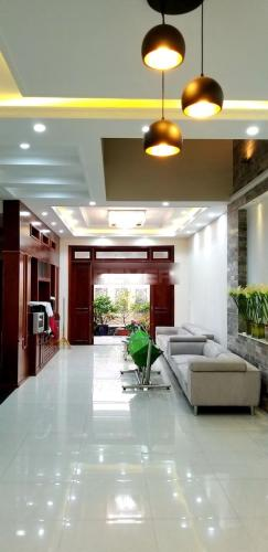 Bán biệt thự sân vườn KDC Savimex đầy đủ nội thất, thiết kế hiện đại.