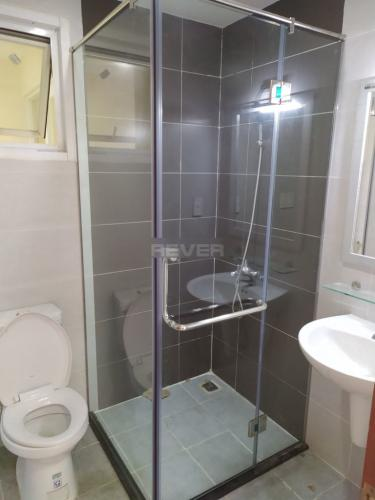Toilet căn hộ Ngọc Phương Nam, Quận 8 Căn hộ Ngọc Phương Nam tầng 8, view thành phố sầm uất.