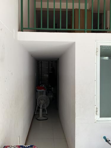 Bên trong nhà phố Nhà phố đường Nguyễn Tư Giản hướng Đông Nam, hẻm 5m thoáng rộng