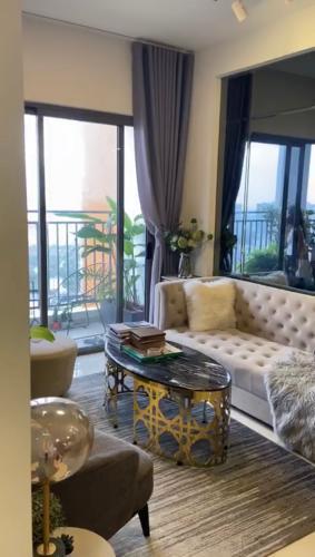 phòng khách căn hộ The Sun Avenue Căn hộ The Sun Avenue đầy đủ nội thất, view thành phố.