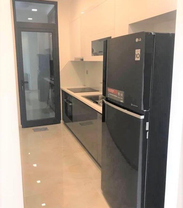 26aad1b54828ae76f739 Cho thuê căn hộ 2 phòng ngủ Vinhomes Golden River, tầng thấp, đầy đủ nội thất, view sông và Landmark 81