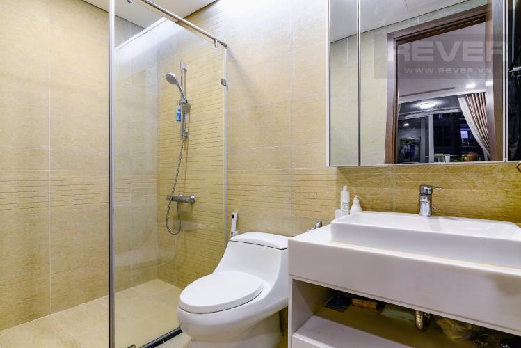 Phòng Tắm 2 Căn hộ Vinhomes Central Park 3PN đầy đủ nội thất, view hồ bơi