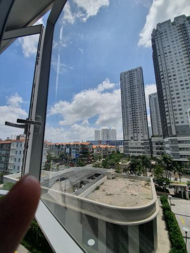 b6bff836fd8d19d3409c.jpg Bán căn hộ Sunrise City 2 phòng ngủ, diện tích 106m2, nội thất cơ bản, hướng Nam