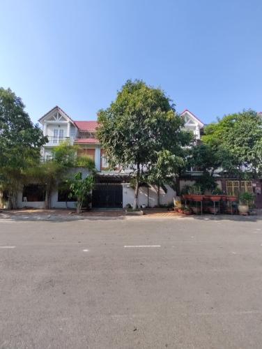 Mặt trước nhà phố Gò Vấp Bán nhà 3 tầng đường Phan Văn Trị, khu nhà ở Quân Đội, Gò Vấp, diện tích 199m2, cách Vincom Gò Vấp 500m