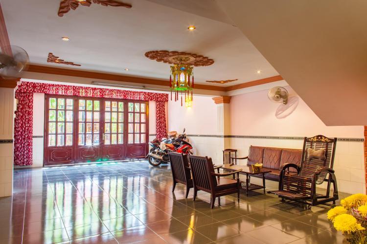Nội thất phòng khách Nhà phố Nguyễn Văn Dung 4 tầng kiên cố