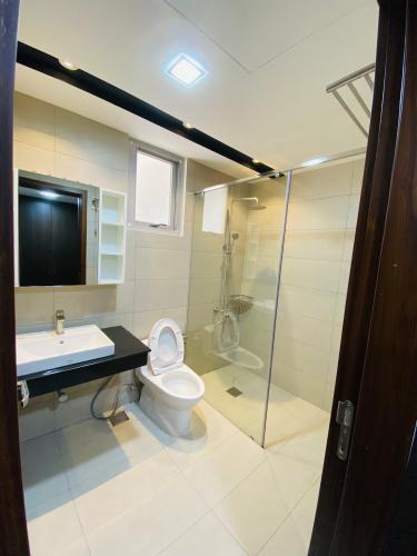 Phòng tắm căn hộ Scenic Valley, Quận 7 Căn hộ Scenic Valley view tầng cao thoáng mát, đầy đủ tiện nghi.