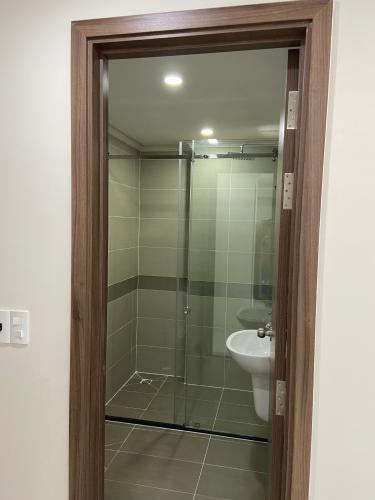 Phòng tắm Homyland Riverside, Quận 2 Căn hộ Homyland Riverside tầng cao, cửa chính hướng Đông Nam.