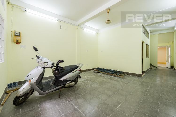 Phòng khách Cho thuê nhà đường Phạm Ngũ Lão, 2 tầng, diện tích rộng rãi
