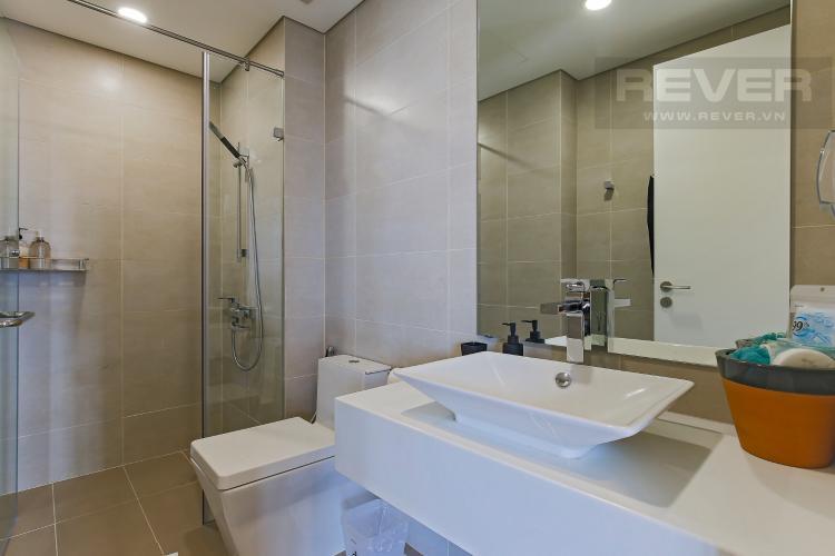 Phòng Tắm 2 Bán hoặc cho thuê căn hộ Masteri Millennium tầng cao, 3PN 2WC, đầy đủ nội thất, view sông và Bitexco