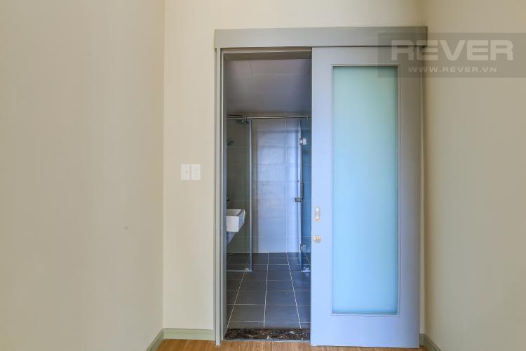 Phòng Tắm 1 Bán căn hộ The Gold View tầng thấp, 3PN, view sông và hồ bơi