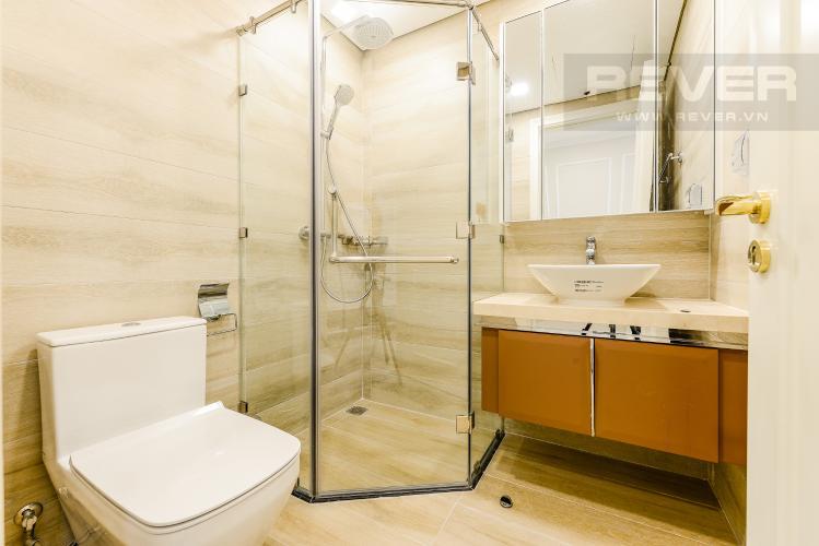 Phòng tắm 2 Căn hộ Vinhomes Golden River tầng cao, 2PN đầy đủ nội thất, view sông