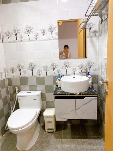 Nhà vệ sinh  Saigon South Residence Căn hộ Saigon South Residence tầng cao, đầy đủ nội thất, view nội khu.