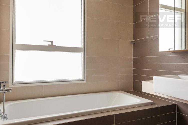 Toilet Căn hộ Sunrise City 2 phòng ngủ tầng trung V5 nội thất đầy đủ