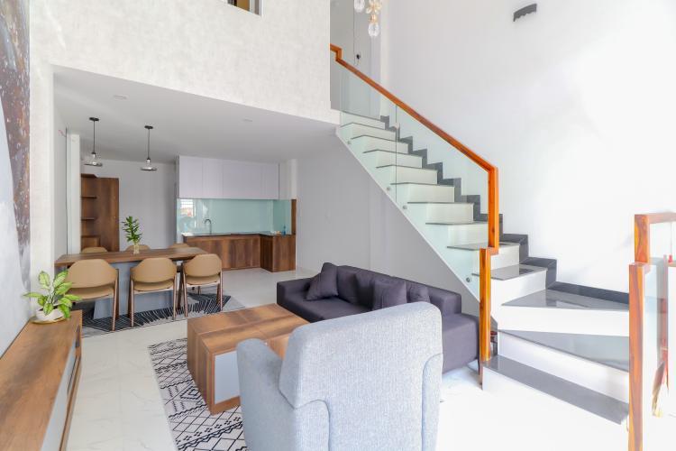 Bán nhà phố Quận 7, diện tích đất 51m2, đầy đủ nội thất, sổ hồng chính chủ, cách Vòng xoay Tân Thuận 300m