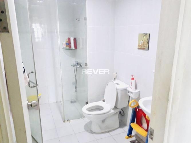 Phòng tắm Carillon Apartment, Tân Bình Căn hộ Carillon Apartment đầy đủ nội thất, cửa hướng Đông.