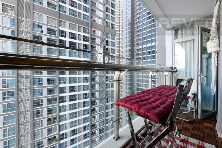 Ban công Căn hộ Vinhomes Central Park tầng trung, tháp Park 5, 2 phòng ngủ, full nội thất