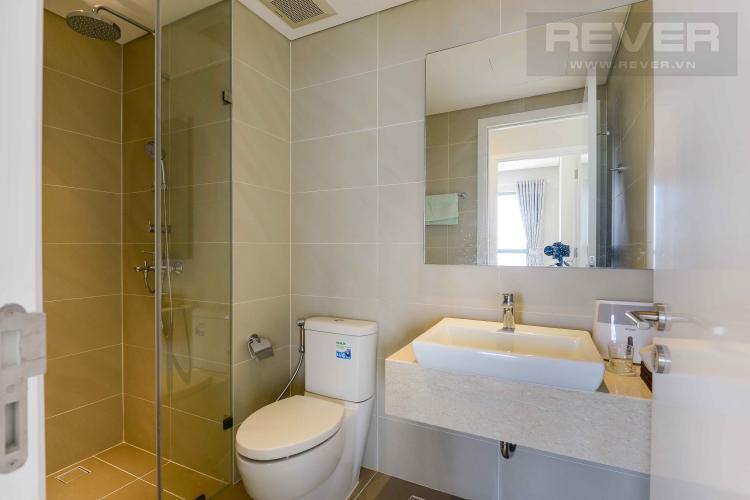 Toilet 1 Bán hoặc cho thuê căn hộ Diamond Island - Đảo Kim Cương 2PN, đầy đủ nội thất, view sông và Landmark 81