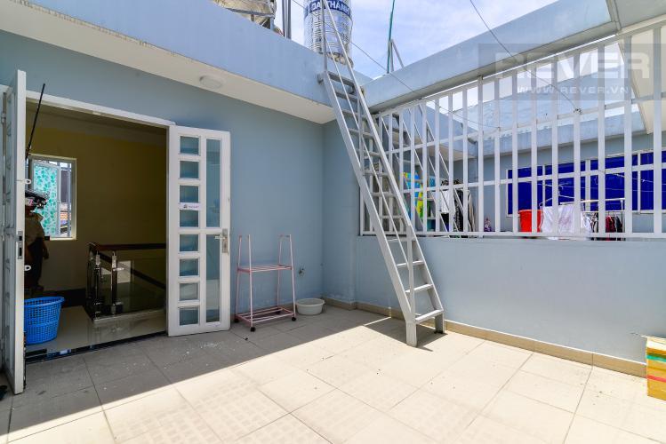 Sân Thượng Cho thuê nhà phố 2 phòng ngủ hẻm 540 đường Cách Mạng Tháng 8, Quận 3, đầy đủ nội thất
