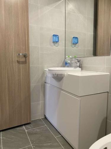 Phòng tắm căn hộ Vinhomes Grand Park Căn hộ Vinhomes Grand Park nội thất đầy đủ tiện nghi, view nội khu.