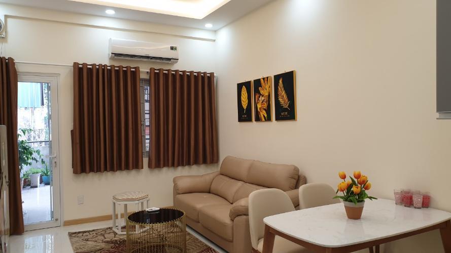 Phòng khách căn hộ chung cư 44B Trần Quang Khải Căn hộ chung cư 44B Trần Quang Khải view thành phố, bờ kè Hoàng Sa.