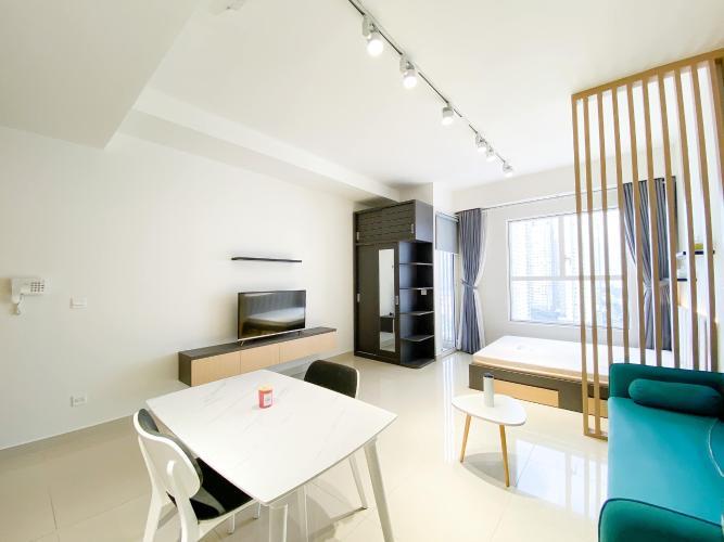 Căn hộ Officetel Sunrise City View tầng cao, đủ nội thất tiện nghi.