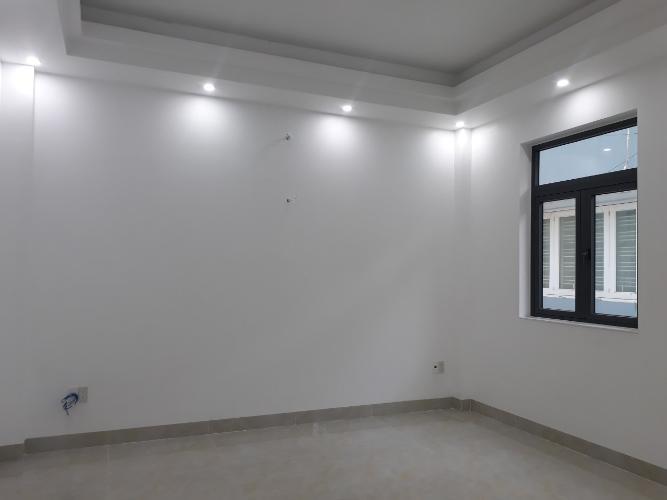 Không gian nhà Thủ Đức Văn phòng Thủ Đức hướng Đông Nam diện tích 400m2, mặt tiền đường xe tải.