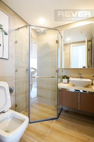 Phòng Tắm 2 Cho thuê căn hộ Vinhomes Golden River 4PN, tầng cao, đầy đủ nội thất, view trực diện sông Sài Gòn