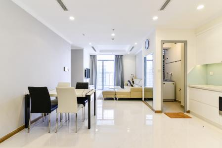 Căn hộ Vinhomes Central Park 2 phòng ngủ tầng cao L2 view sông
