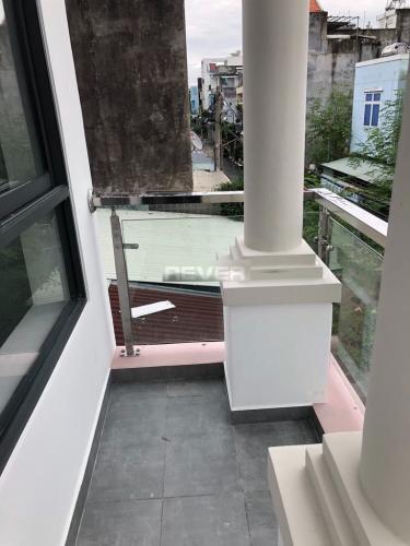 Ban công nhà phố Trường Lưu, Quận 9 Nhà phố hẻm 6m hướng Đông, thiết kế đại sang trọng.